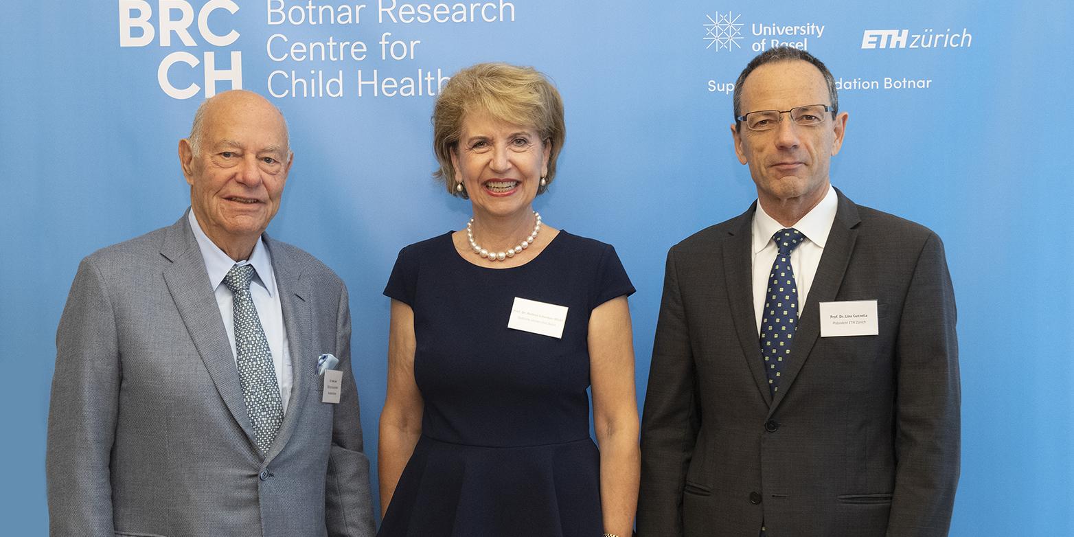 Universität Basel und ETH Zürich bündeln Spitzenforschung für Kinder und Jugendliche weltweit