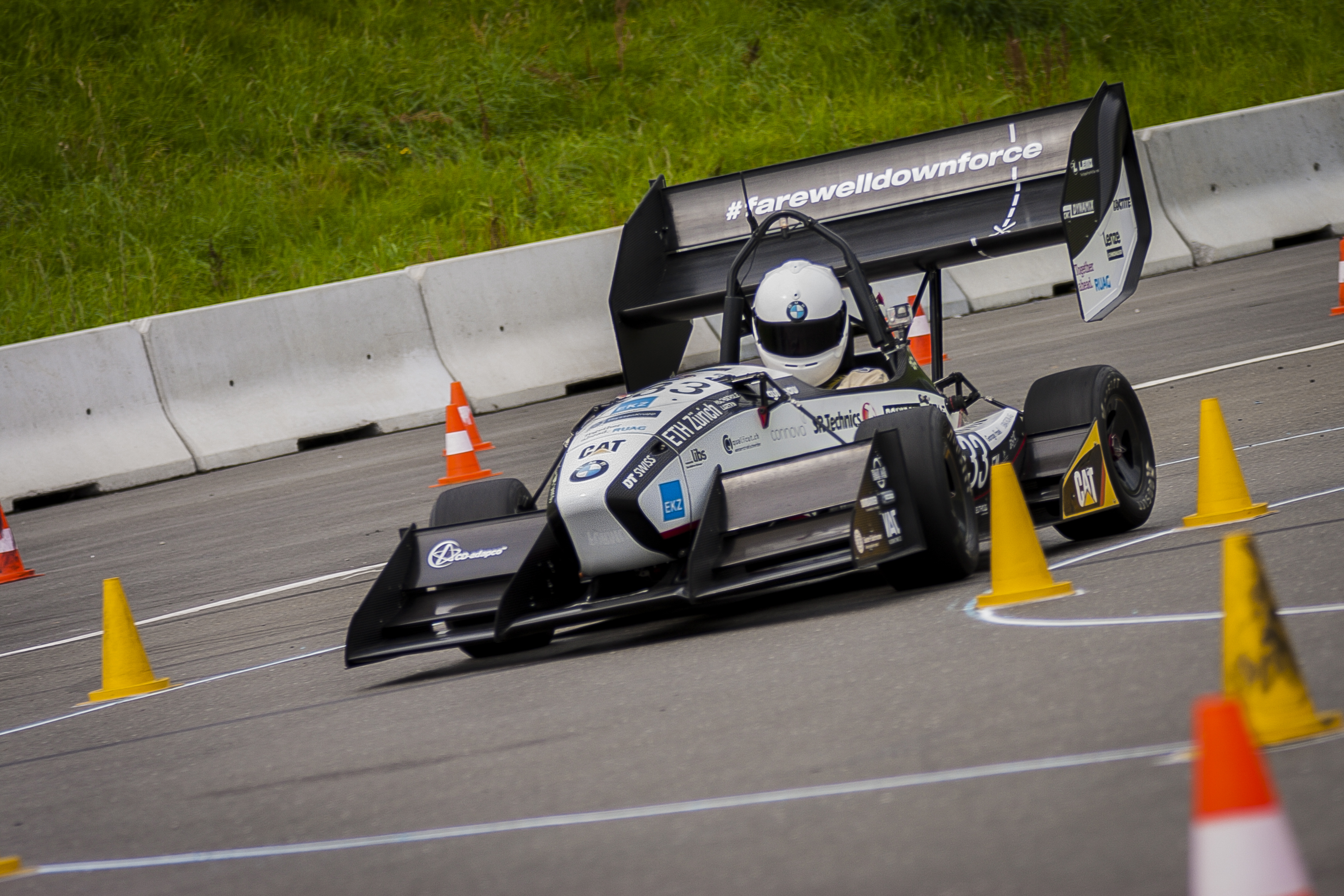 The Grimsel Electric Racing Car Today Broke Previous World Record For Acceleration In Cars Picture Amz Jpeg 3 8 Mb