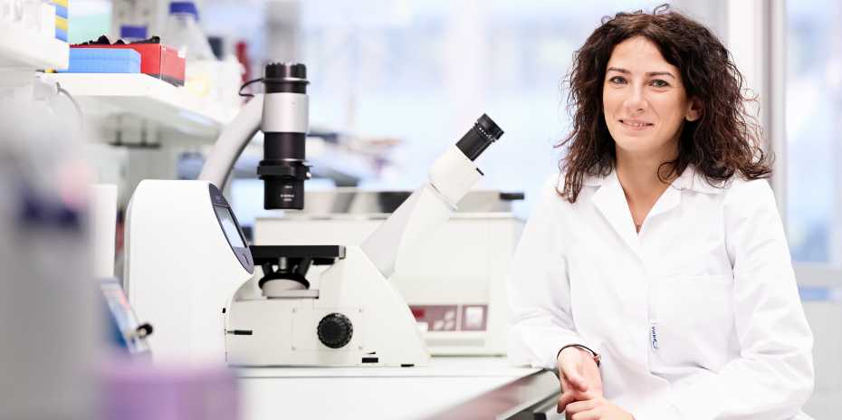 Daniela Latorre forscht am Institute for Research in Biomedicine. (Bild: Stefan Weiss / ETH Zürich)