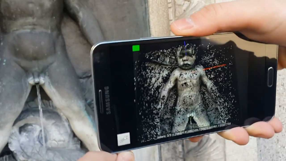 Smartphone with 3D scanner