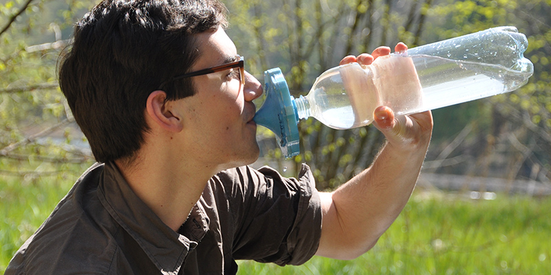 The filter ensures a supply of safe drinking water on outdoor trips as well. (photo: ETH Zurich)