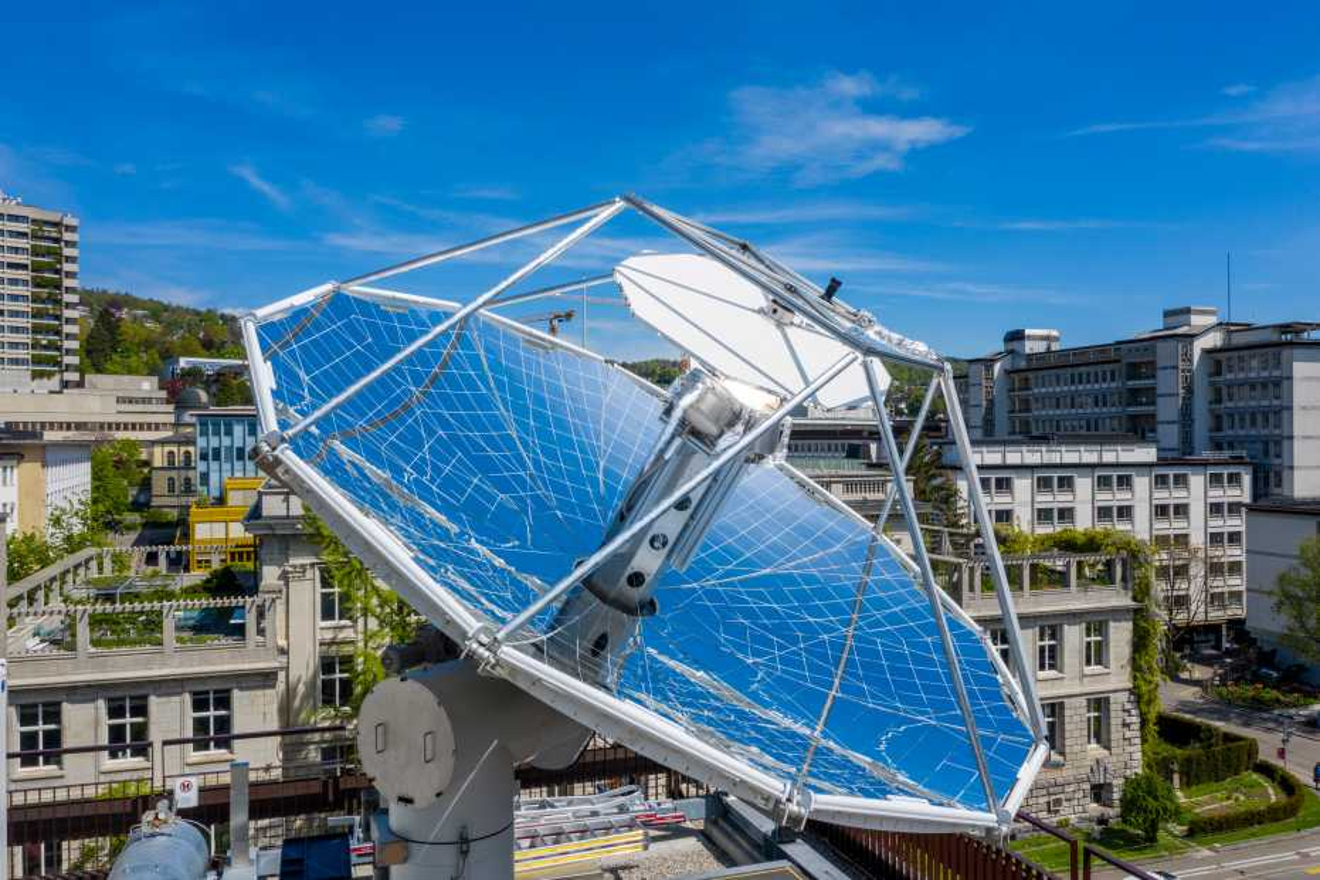 Solar mini-refinery