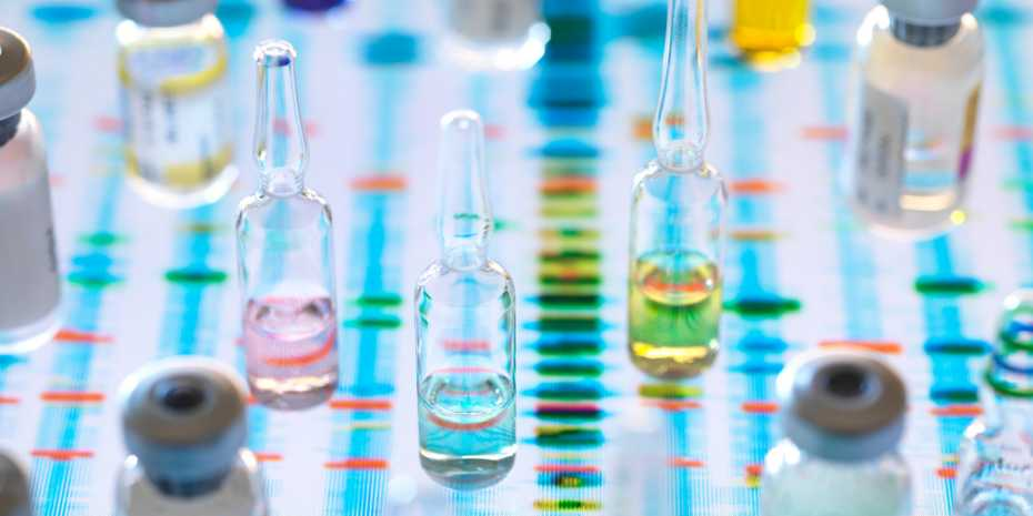 Only a handful of genetic diseases can be treated with drugs (symbolic image). One of several therapeutic approaches is based on RNA molecules. (Photograph: Science Photo Library)